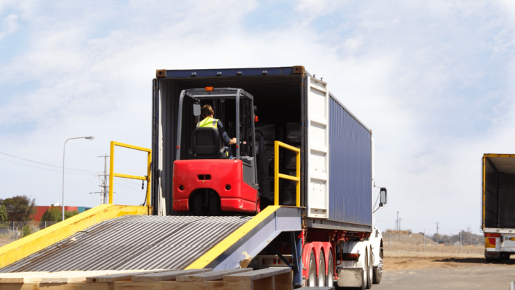 Using A Pallet Loading Ramp