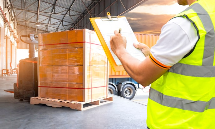 Benefits Of Using A Pallet Courier